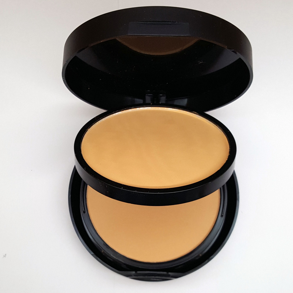 Пудра Huda Beauty Powder Plus Foundation 30g 03