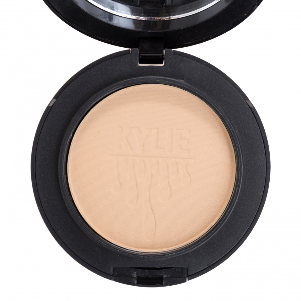 Пудра Kylie Birthday Edition Powder Vitalumiere Compact 02